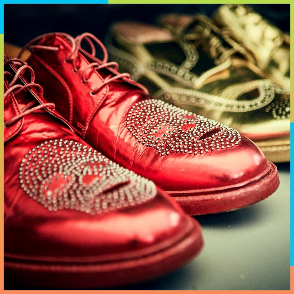 Zapatos de Elton John @Foto: Apple Music
