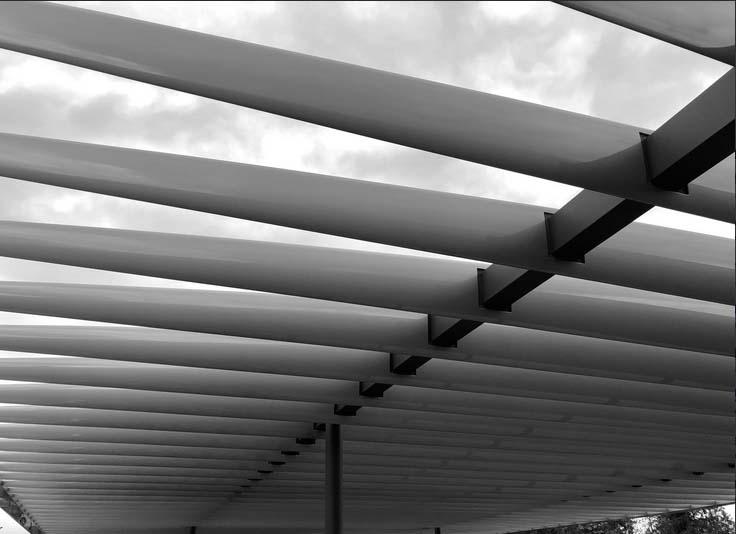 Detalle del techado que recubre dicha planta superior (foto: Tyler Fox)