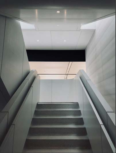 Acceso a la primera planta del Centro de Visitantes (foto: Tyler Fox)