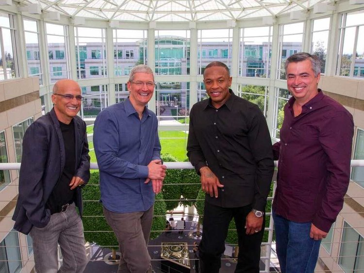 Apple compra Beats en 2014