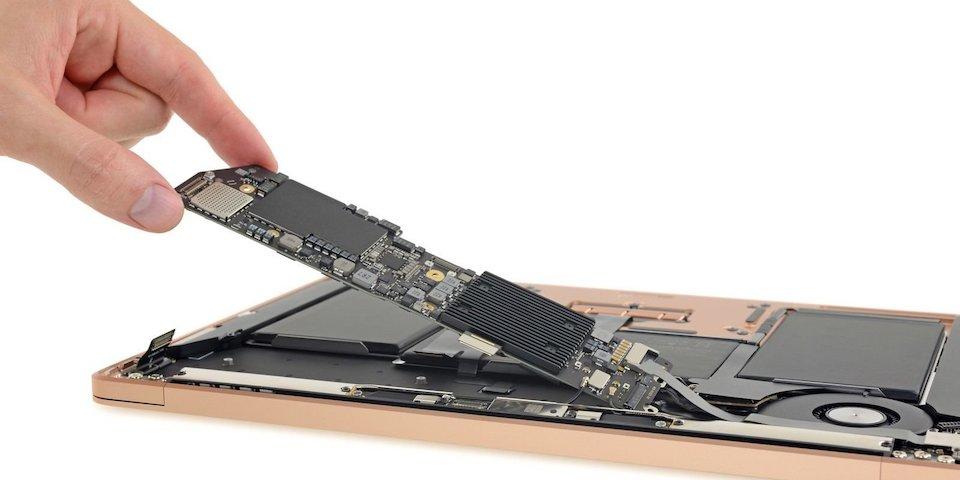 MacBook Air Interior 2018