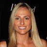Danielle DePalma ficha por Apple