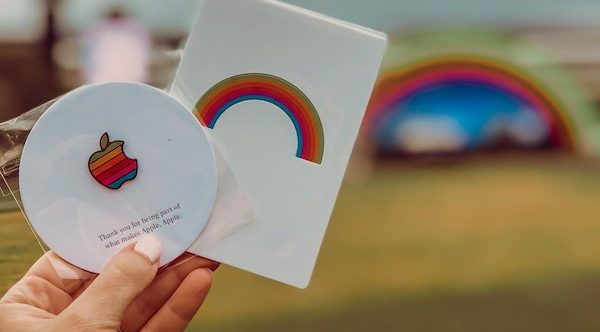 Pin arco iris de Apple