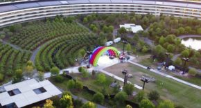 Rainbow stage en el Apple Park