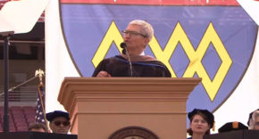 Tim cook Universidad de Stanford