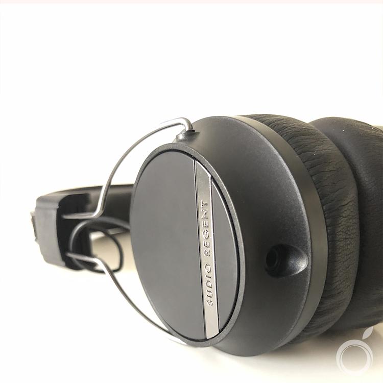 Conexión jack auriculares Sudio Regent II