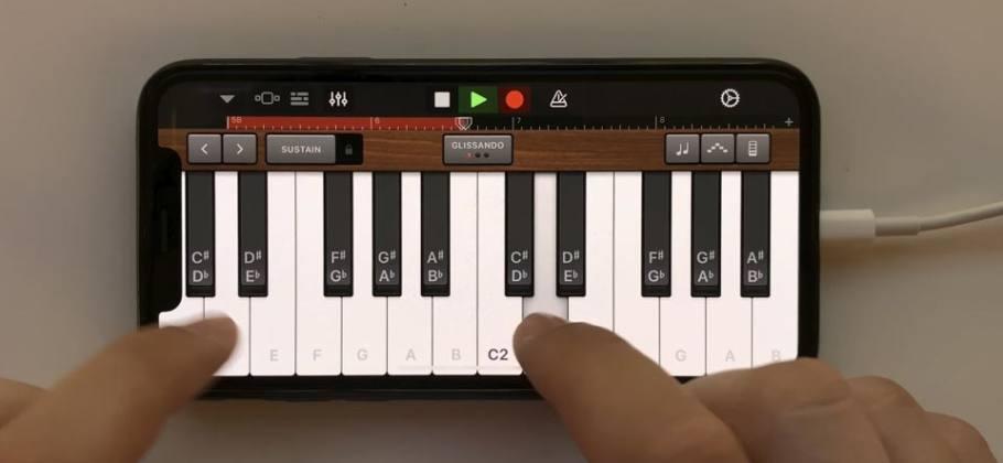 Tones and I - Dance Monkey on iPhone (GarageBand)