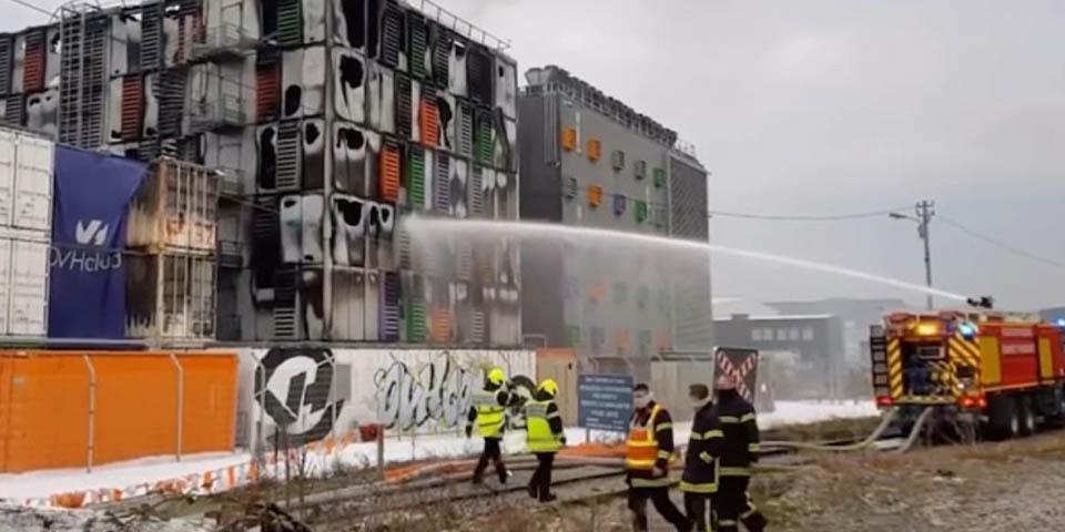 Un equipo de 100 bomberos lucharon contra el incendio de OVH